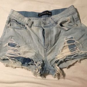 Express. Light Washed. Distressed Shorts.